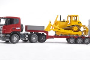 Bruder SCANIA R-series Low loader truck with CAT Bulldozer 03555